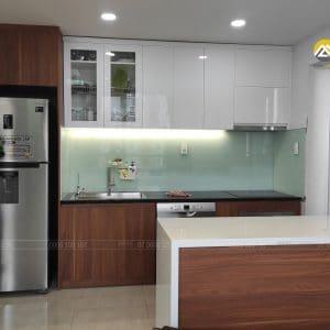 Tủ Bếp MDF Lõi Xanh Chống Ẩm Phủ Acrylic Tại Căn Hộ CBD Premium Quận 2